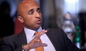 السفير الإماراتي في واشنطن يوسف العتيبة