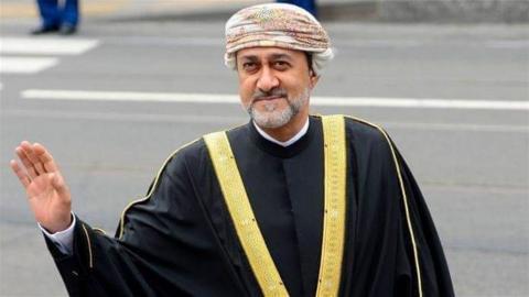 سلطان عمان الجديد هيثم بن طارق