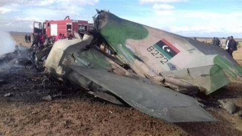 تحطم طائرة مقاتلة شرق ليبيا
