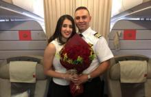طيار أردني يخطب فتاة على متن الطائرة